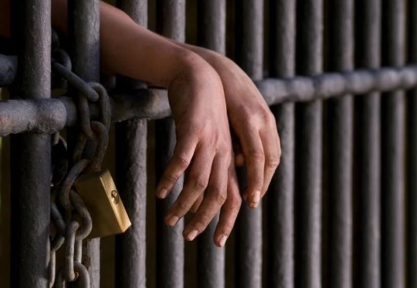 Ratifican a 20 y 10 años de prisión a cinco hombres por robo